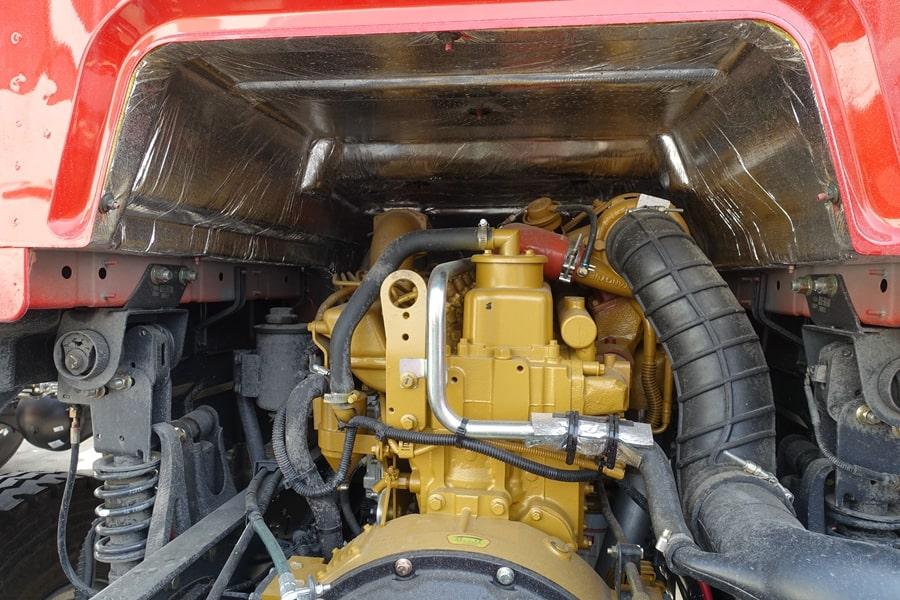 柳汽15吨散装饲料车发动机