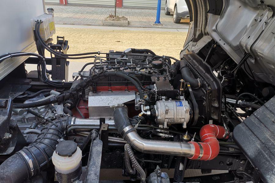 福田欧马可S3排半3.7米国六冷藏车发动机图片