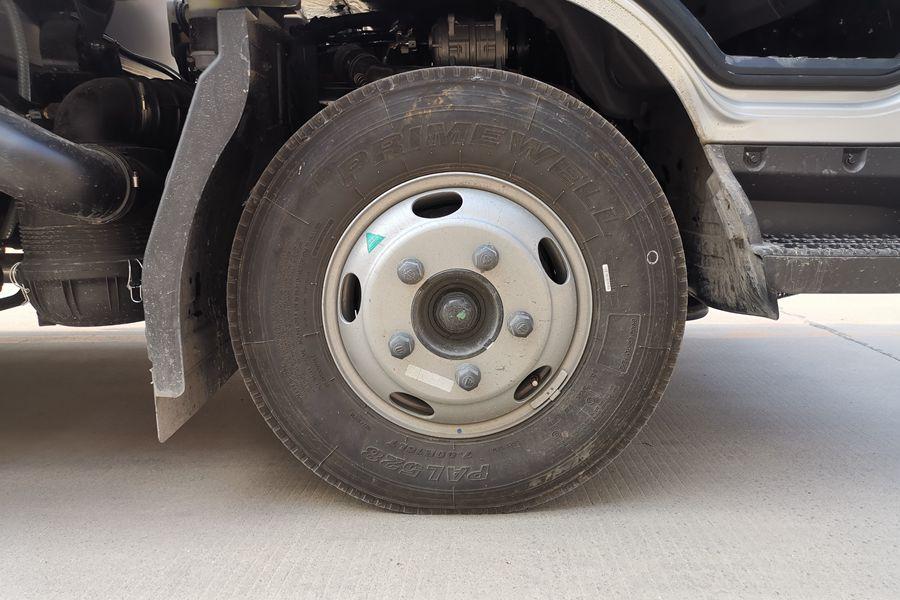 福田欧马可S3排半3.7米国六冷藏车轮胎图片