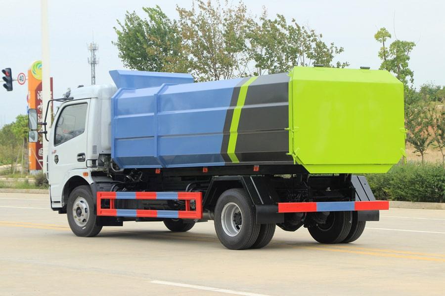 东风5吨自装卸式垃圾车右后侧图片