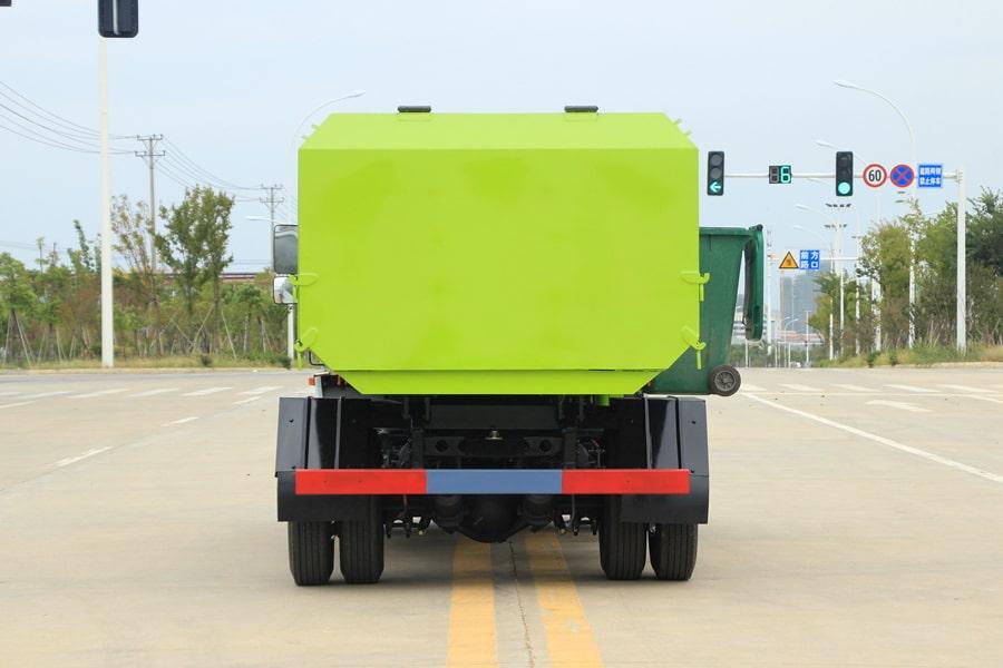 东风5吨自装卸式垃圾车右前侧图片