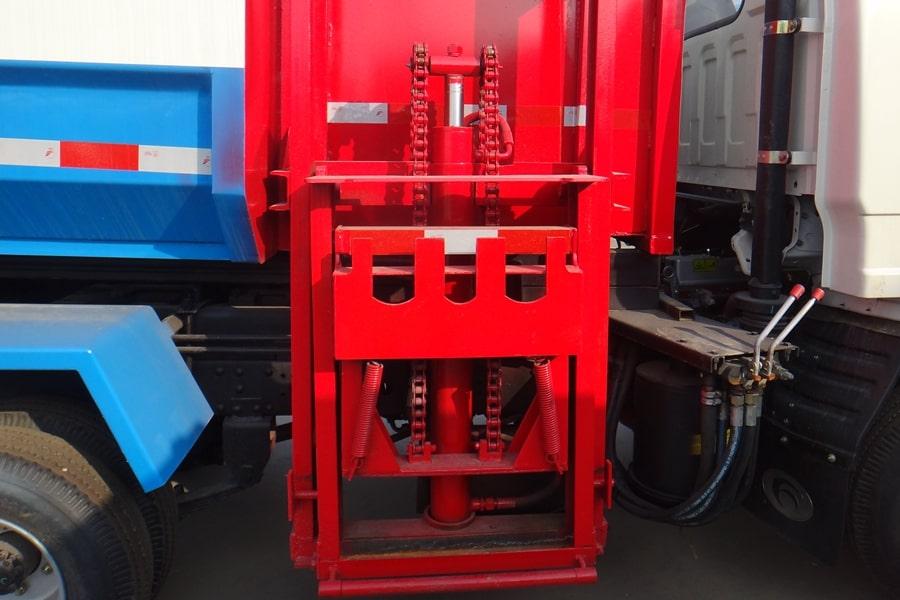 长安3方自装卸式垃圾车提升机图片