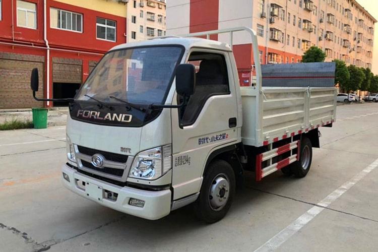 福田小卡桶装垃圾运输车左前侧图片