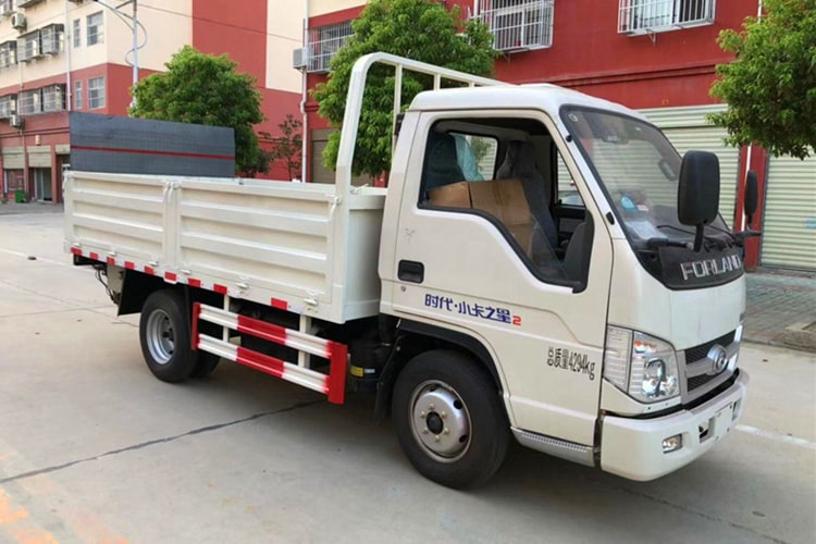 福田小卡桶装垃圾运输车右前侧图片