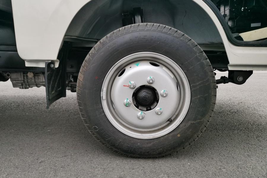 福田祥铃M1-3.2米冷藏车轮胎图片