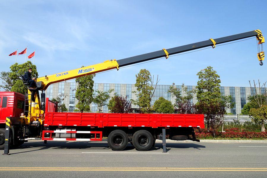 东风D3L12吨随车吊14.5米吊臂图片