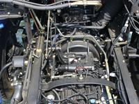 欧曼小三轴22吨油罐车变速箱图片