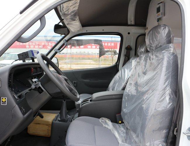 金杯海狮面包冷藏车主驾驶室图片