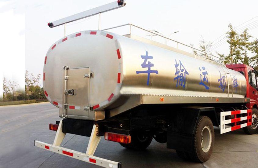 欧曼鲜奶运输车奶罐图片二