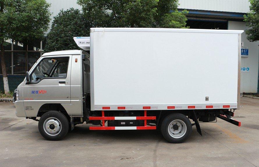 福田驭菱2.9米冷藏车正侧图片