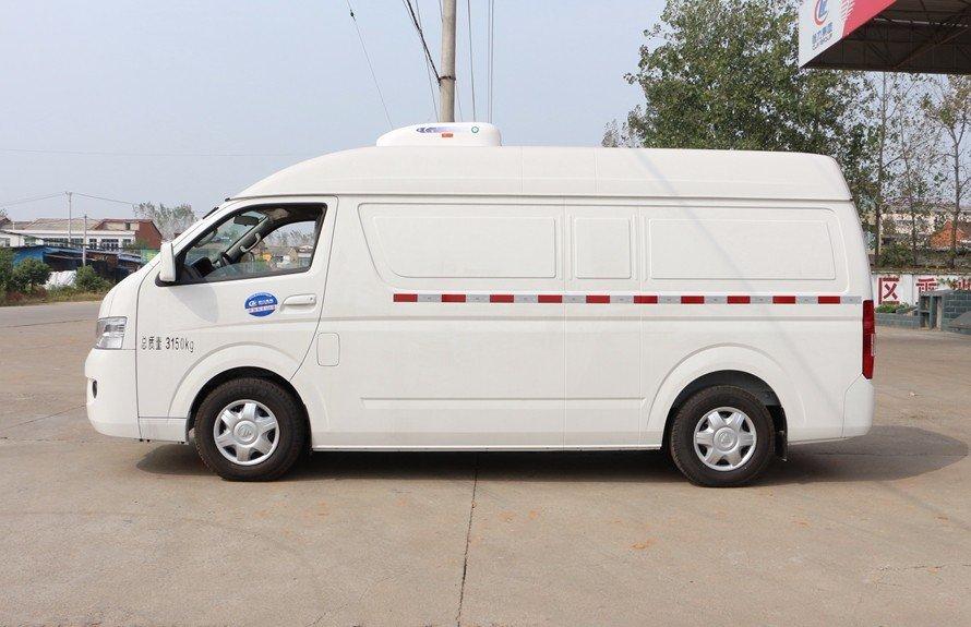 福田G7面包冷藏车正侧图片