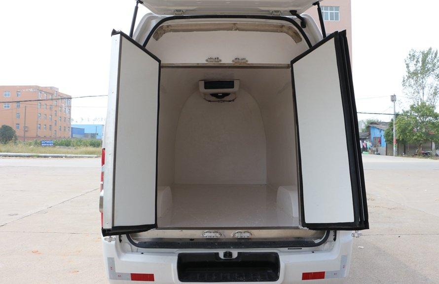 福田G7面包冷藏车厢体图片