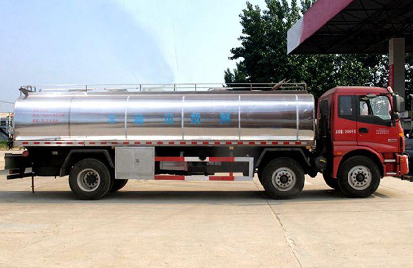 欧曼小三轴鲜奶运输车图片二