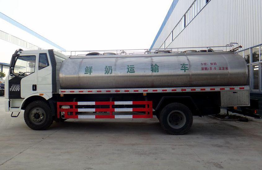 解放鲜奶运输车图片二