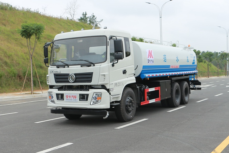东风153 20吨道路洒水车