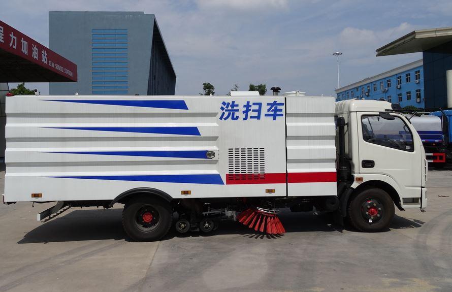 东风多利卡5吨多功能洗扫车图片3