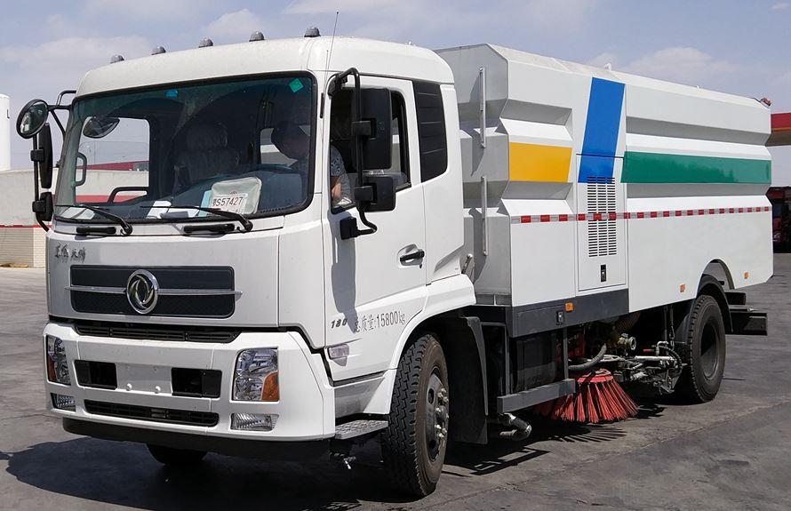 东风天锦8吨多功能洗扫车图片1