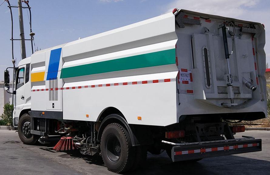 东风天锦8吨多功能洗扫车图片3