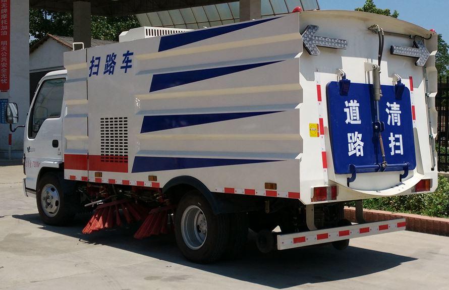 五十铃3吨扫路车图片2