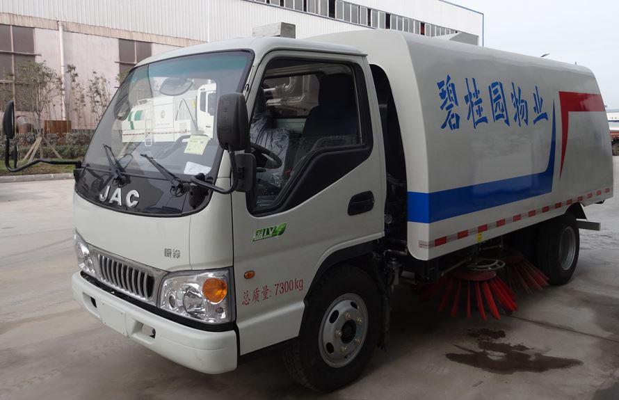江淮3吨扫路车图片1