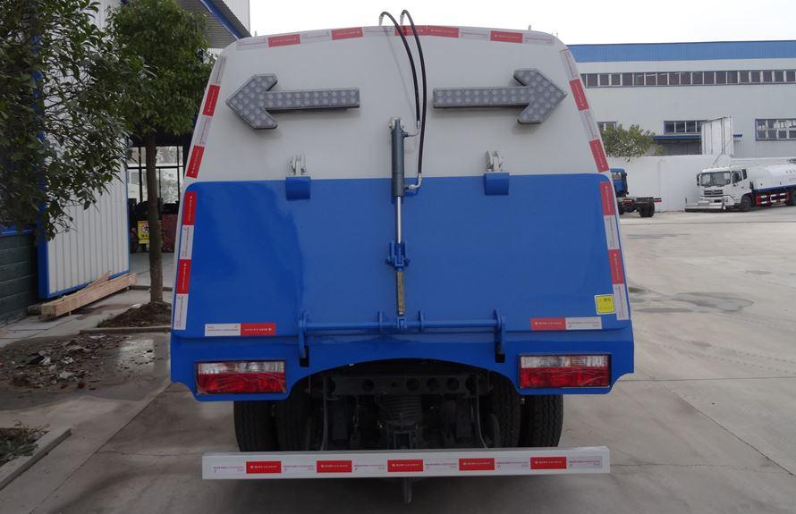 江淮3吨扫路车图片3