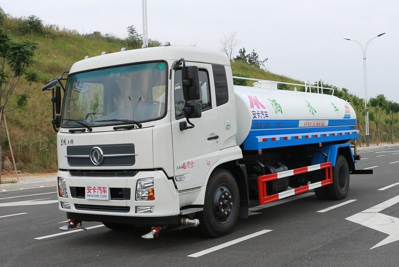 东风天锦12吨绿化洒水车图片