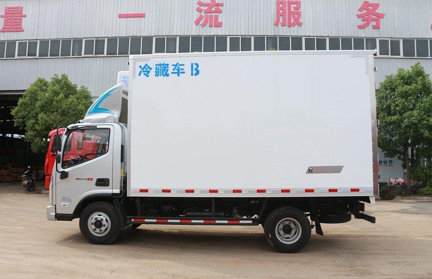 福田奥铃新款M3冷藏车正侧