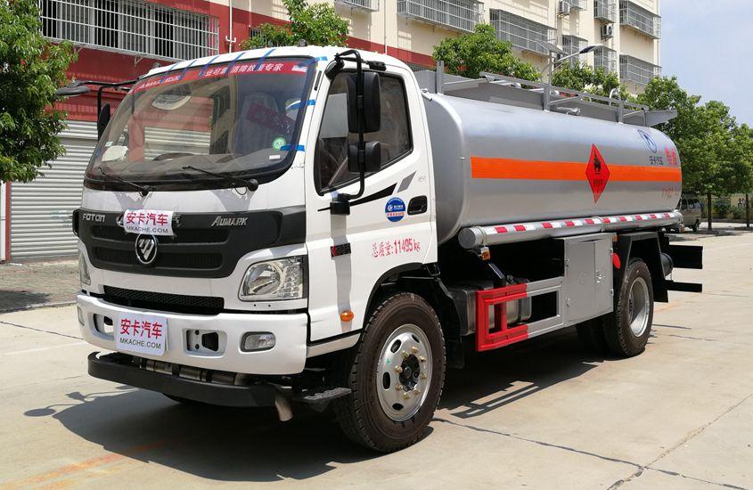 福田8吨小型加油车左侧展示图片