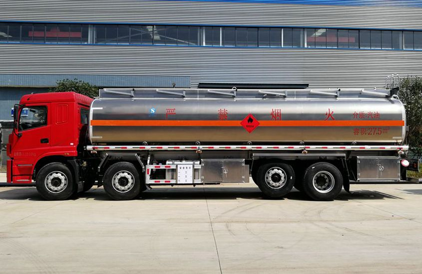 三环前四后六25吨铝合金油罐车正侧图片
