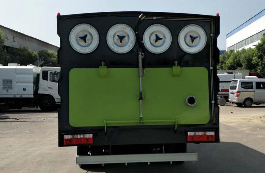 东风5吨吸尘车图片(正尾部)