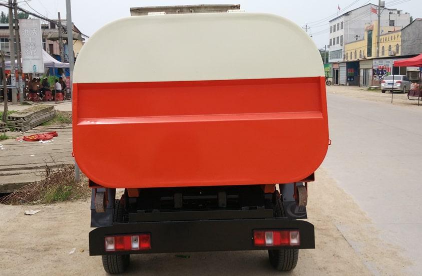 长安3方勾臂式垃圾车图片(车尾)