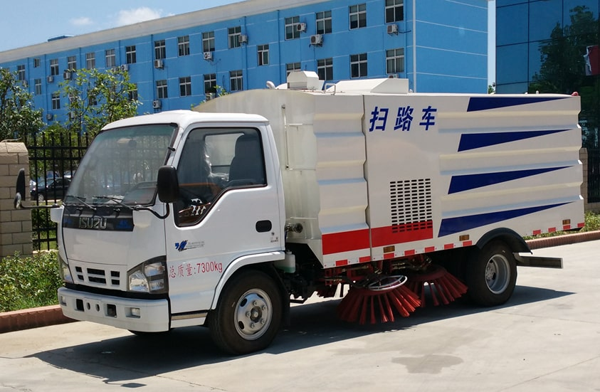 五十铃3吨扫路车图片(车头向左前45度)