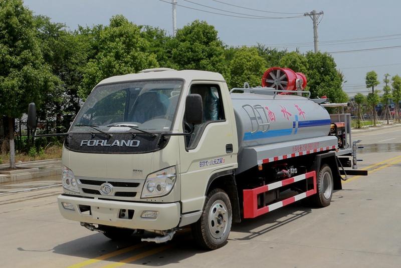 福田4吨雾炮洒水车左斜前图片