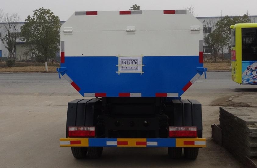 东风5方挂桶式垃圾车图片(车尾垃圾箱实拍)