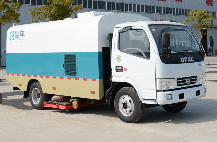 东风3吨小型吸尘车图片(车头向右前45度)