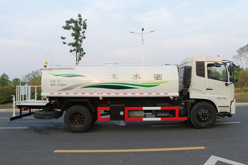东风天锦12吨洒水车正侧图片