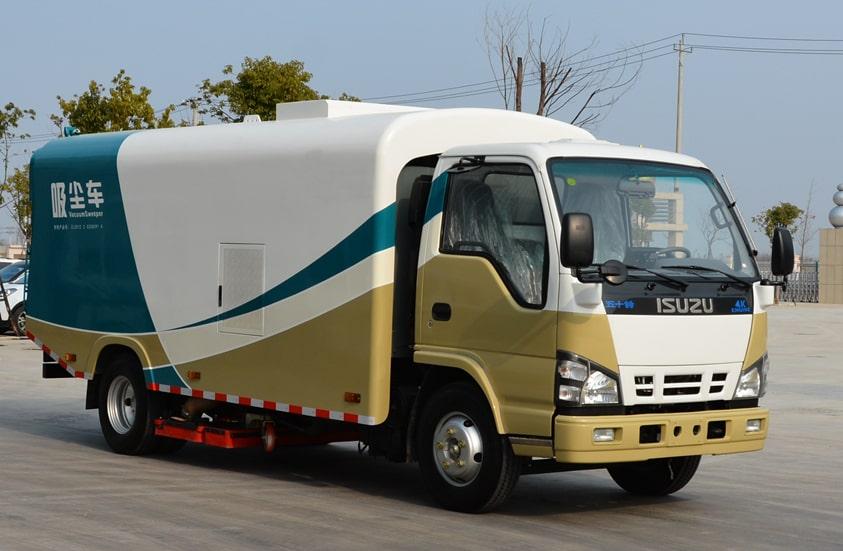五十铃3吨小型吸尘车图片(车头向右前45度)