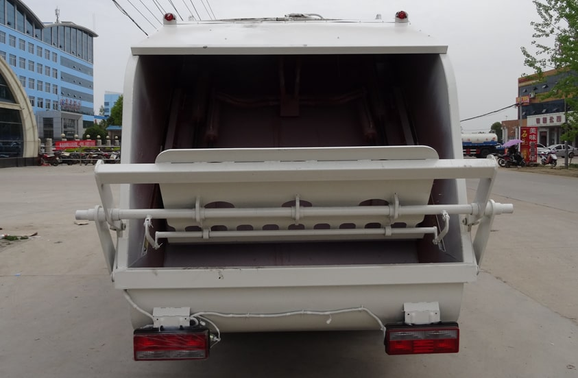 多利卡8方压缩式垃圾车图片(料斗一览)