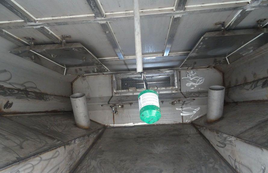 东风天龙13吨大型洗扫车垃圾箱防溢满系统