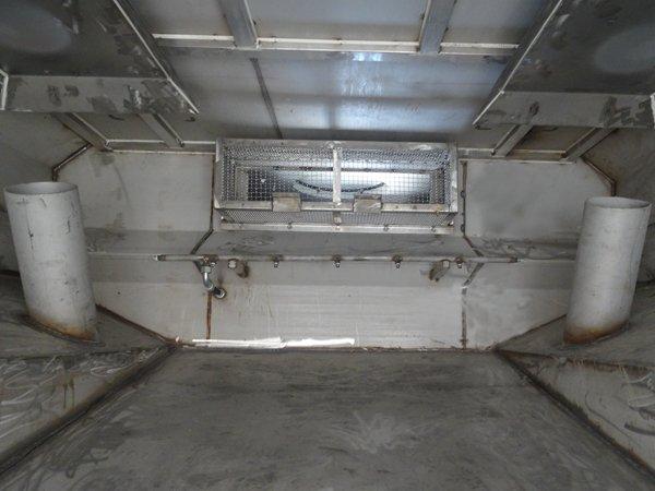 东风天锦8吨洗扫车污水箱内部结构