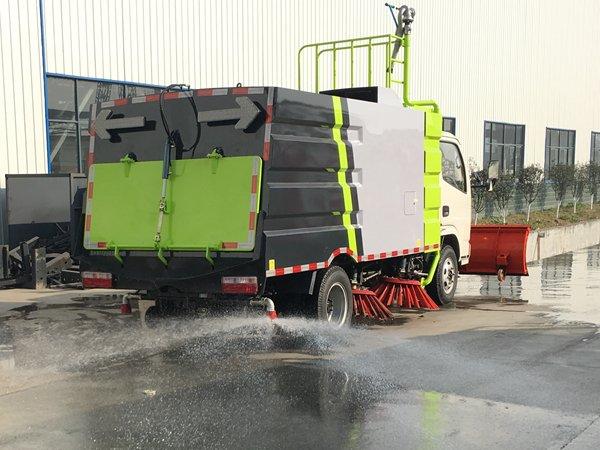东风3吨扫路车加装后洒作业