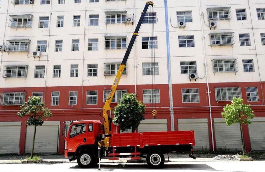大运徐工3吨随车吊吊臂伸出正侧图片