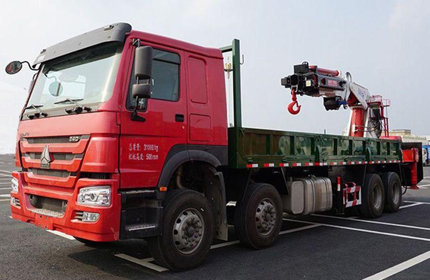 程力50吨大型随车吊左侧图片