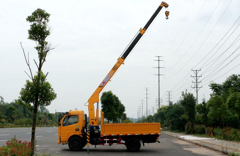 东风徐工2吨小型随车吊正侧图片