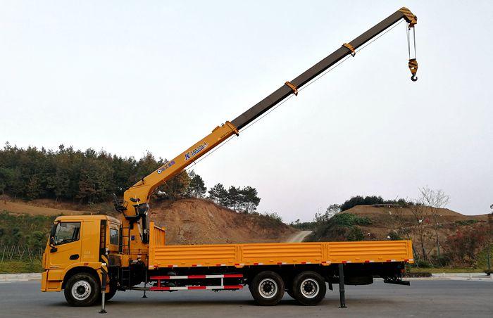 徐工汉风一体化12吨随车吊吊臂伸出图片