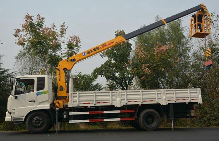 东风天锦6.3吨随车吊正侧图片