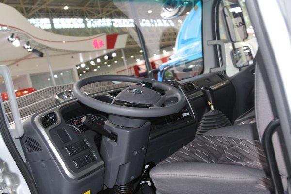 福田欧马可S5冷藏车方向盘图片