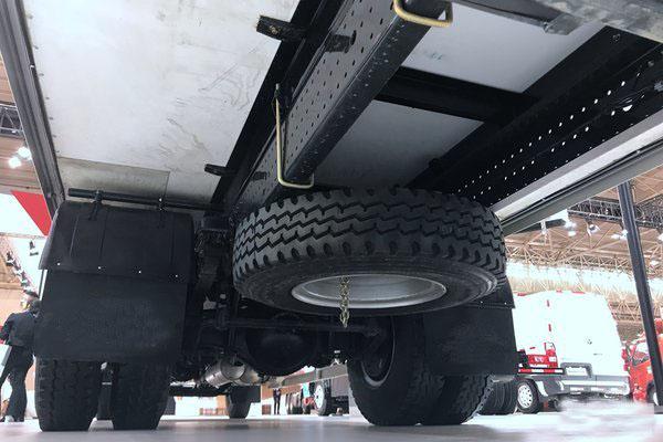 福田欧马可S5冷藏车轮胎图片
