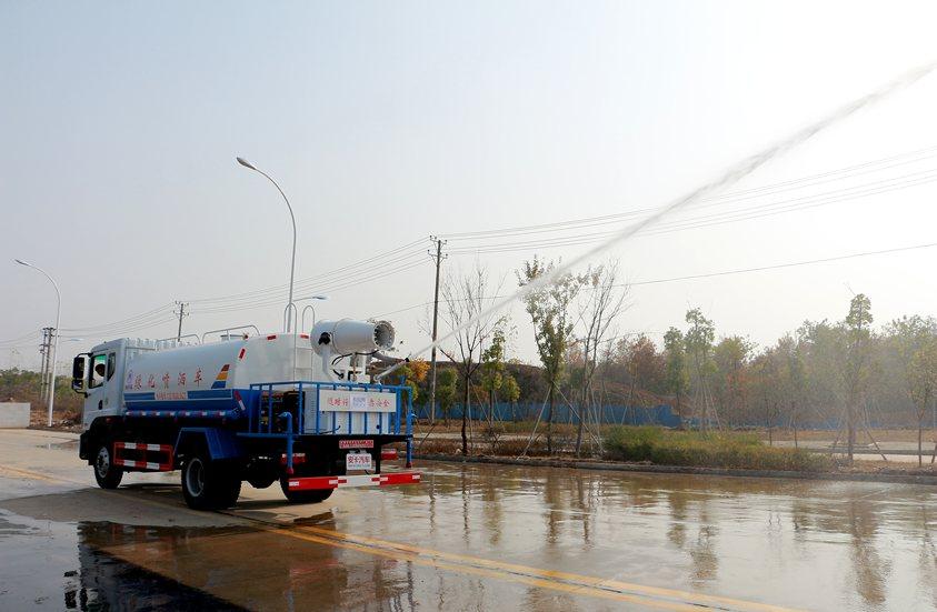 东风D9 12吨雾炮车绿化高炮图片