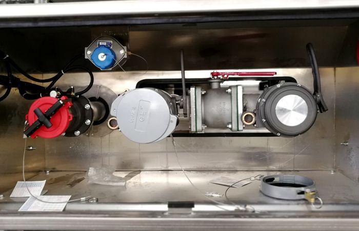 油罐车铝合金泵箱图片